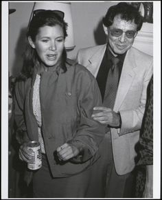 UNITED STATES - MARCH 1  ....... CARRIE FISHER & FATHER, EDDIE FISHER............ccp