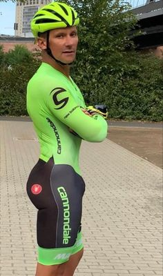 Cycling Suit, Cycling Bib Shorts, David Beckham Style, Lycra Men, Soccer Guys, Bicycle Clothing, Bike Wear, Olympic Sports, Sexy Men