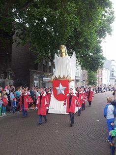 Reuzenstoet, 1 juni 2014, Maastricht, Zuid-Limburg.