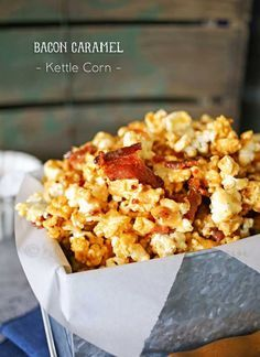 Bacon Caramel Kettle Corm/ If you love kettle corn & unique popcorn recipes then this Bacon Caramel Kettle Corn is perfect for you. This makes a caramel popcorn recipe AMAZING! Popcorn Snacks, Flavored Popcorn, Popcorn Recipes, Bacon Recipes, Appetizer Recipes, Snack Recipes, Cooking Recipes, Appetizers, Party Snacks