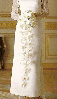 Long narrow cascade bouquet