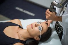 """L.A.'s Latest Beauty Trend Is A Lifesaver #refinery29  http://www.refinery29.com/quick-easy-beauty-treatments#slide4  Skin Laundry  If you've never had a laser facial, it might sound intimidating. Skin Laundry's 10-minute services are anything but. The laser feels similar to a tiny, quick pinch — and the experience is far less painful than getting your legs waxed. Though the company's """"no down time"""" promise is definitely true (you don't leave looking like Samantha Jones post chemical peel)…"""