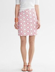 Banana Republic Milly Collection Skirt. Free shipping and guaranteed authenticity on Banana Republic Milly Collection SkirtElegant skirt from Banana Republic's Milly Collect...