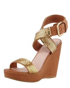 Stuart Weitzman Metalman Chainmaille Wedge Sandal in Gold | Lyst