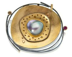 Sydney Lynch: Brooch silver, gold, pearl. Broche argent, or perle