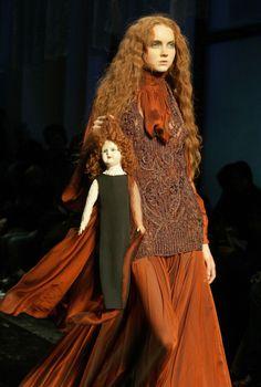 Dresssiteestyle: «Лили Коул для Джин Пола Готье Модный показ, осень / зима 2006»