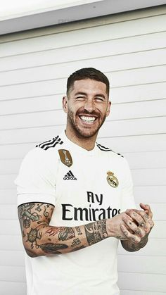 sergio ramos wallpaper - Source by lottegreenleaf Real Madrid Club, Real Madrid Football Club, Real Madrid Captain, Spain National Football Team, Real Madrid Wallpapers, Fifa, Most Popular Sports, Beautiful Men Faces, Surfer