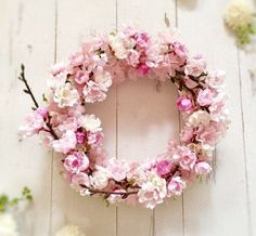 Tweet πολυμέσων από momo❤︎ (@tonton_momo_) | Twitter Pink Wreath, Diy Spring Wreath, Floral Wreath, Chinese New Year Decorations, New Years Decorations, Beautiful Flower Arrangements, Pretty Flowers, Corona Floral, Floral Chandelier
