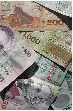 banknotes from uruguay
