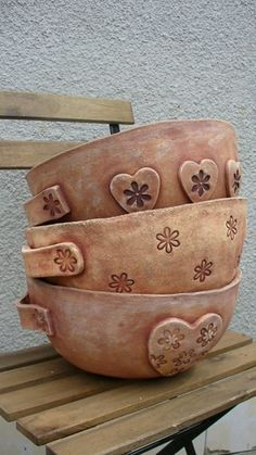 Detailed Bowls click now for info. Pottery Pots, Slab Pottery, Ceramic Pottery, Ceramic Decor, Ceramic Clay, Ceramic Bowls, Pottery Lessons, Pottery Classes, Ceramics Projects