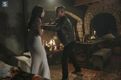 Once Upon a Time in Wonderland - Episode 1.09 - Nothing to Fear - Promotional and BTS Photos  (25)