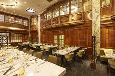 Restaurant des Luxus Hotel Reichshof Hamburg von JOI-Design | Erinnert gleichzeitig stilvoll an die Pracht der 1920er Jahre. #Hilton #luxushotel #topinnenarchiteckten #welovedesign #joidesign