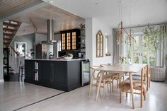 Såld bostad friliggande villa i Vendelsö Rum, Kitchen Island, Villa, Table, Furniture, Home Decor, Inspiration, Ideas, Kitchens