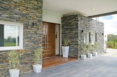modern home exterior wall design ideas, house exterior wall decor decoration ideas 2020 and modern home front designs. Modern Entrance Door, Home Entrance Decor, House Entrance, Classic House Exterior, Dream House Exterior, Dream House Plans, Exterior Wall Design, Door Design, House Front Design