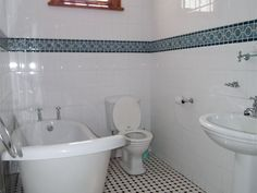 Carter House Richmond Hill - This is a two storey villa with a pool and a garden located in the iconic neighbourhood of Richmond Hill, Port Elizabeth close to Stanley Street nightlife.
