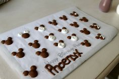 How to (easily) Make Mickey Mouse Custom Chocolate Silhouettes! - Influential Mom Blogger, Mom Blog Brand Ambassador, PR Friendly