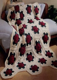 Picture of Victorian Rose Afghan Crochet Pattern                                                                                                                                                     Más