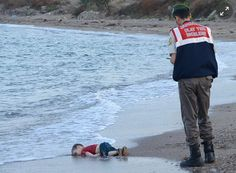 """""""Humanity Washed Ashore"""" The picture of a 3 years old syrian child Aylan Kurdi which was found on Turkish Coast has shocked the world and Once again, the debate over the loss of human lives in Syria Help Refugees, Syrian Refugees, Syrian Children, The Enemy Within, Refugee Crisis, Amnesty International, Europe, Civil Rights Movement, Costa"""