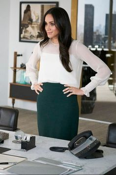 Meghan Markle Is Officially Done With Suits — Here's How It All Ends - Mi Hermoso Mundo Suits Meghan, Suits Rachel, Meghan Markle Suits, Estilo Meghan Markle, Meghan Markle Dress, Meghan Markle Style, Meghan Markle Fashion, Business Casual Attire, Professional Attire