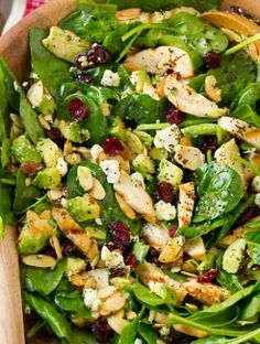 Cranberry Avocado Spinach Salad with Chicken and Orange Poppy Seed Dressing - one of my new favorite salads! Such DELICIOUS flavor! Cranberry Avocado Spinach Salad with Chicken and Orange Poppy Seed Dressing - Cooking Classy Moya Mat Mathismo dani Avocado Spinach Salad, Spinach Salad With Chicken, Chicken Salad, Avocado Chicken, Baby Spinach, Simple Spinach Salad, Spinach Salad Recipes, Strawberry Spinach, Broccoli Cauliflower