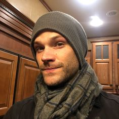 pics of jared padalecki - Bing images Jared Padalecki Supernatural, Jensen Ackles Jared Padalecki, Supernatural Tv Show, Jared And Jensen, Just Jared, Supernatural Seasons, Sam And Dean Winchester, Winchester Brothers, Zeppelin