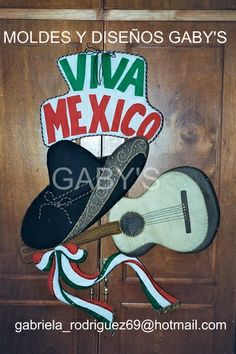 SOMBRERO Y GUITARRA VIVA MEXICO