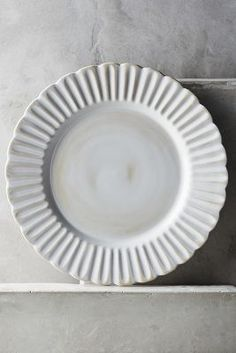 Would love this new set of dinner plates, salad, bowls and mugs...so cute