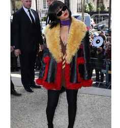 What Rihanna's Fashion Week Outfits Are Saying to Us - Rihanna Fashion Looks at Paris Fashion Week - ELLE