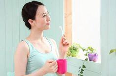 歯肉炎は歯周病ともいわれ、歯垢に繁殖した細菌が原因で歯肉が炎症を起こすことです。血糖値が高く、免疫力が弱っている人はかかり易いですが、まず始めたい一番の予防と治療はお口の中のケア。毎日のブラッシングとマウスウォッシュで口臭の原因になる歯肉炎ともさよならですね。#エッセンシャルオイル#アロマレシピ#アロマテラピー#ハーブ#ガーデニング