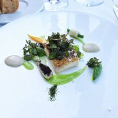 Fillet of turbot with oysters and watercressfrom Torre del Saracino Oysters, Breakfast, Ethnic Recipes, Travel, Instagram, Food, Morning Coffee, Viajes, Meals