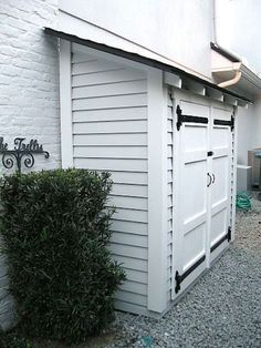 31 Wonderful Unique Small Storage Shed Ideas For Your Garden. If you are looking for Unique Small Storage Shed Ideas For Your Garden, You come to the right place. Below are the Unique Small Storage S. Shed Storage, Small Storage, Extra Storage, Garage Storage, Backyard Storage, Trash Can Storage Outdoor, Outdoor Storage Sheds, Small Garden Storage Ideas, Storage Shelves