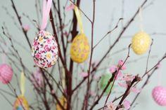 påsk 2012, påsk, påskris, påskägg. körsbärsträd, påskris med körsbärsträd, påskris med körsbär, blommiga ägg, måla ägg , Volang påsk, Volang-Linda, Volang ELLE Interiör, ELLE Interiör påsk