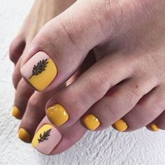 36 The Trend Toe Art Nail Designs In Summer - Summer is coming, which means we can wear sandals or flip flops and walk barefoot on the lawn or be - Pedicure Nail Art, Toe Nail Art, Nail Manicure, Summer Toe Nails, Summer Acrylic Nails, Toe Nail Designs, Acrylic Nail Designs, Nails Design, Art Designs