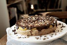 Firkløverkake med gul krem Food And Drink, Baking, Cake, Desserts, Tailgate Desserts, Deserts, Bakken, Kuchen, Postres