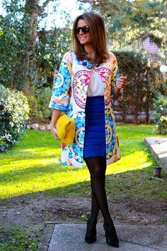 Fashion and Style Blog / Blog de Moda . Post: The color gives me energy! / El color me da energía! .More pictures on/ Más fotos en : http://www.ohmylooks.com/?p=25954 .Llevo/I wear: Coat / Abrigo : Sheinside ; Blouse/Blusa : Zara (old) ; Skirt / Falda : Mango (old) ; Bag / Bolso : Próxima Parada (C/ Conde de Xiquenda, 9, Bajo Dcha) ; Shoes / Zapatos : Pilar Burgos