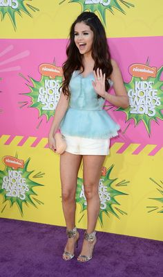 2013 Kids Choice Awards: Selena Gomez Wins Big In Oscar De La Renta!