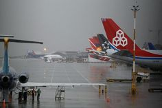 Trece aeropuertos nacionales están cerrados por condiciones ... - El Universal - Colombia