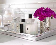 bathroom tray styling [L] Bathroom Vanity Tray, Bathroom Counter Decor, Bathroom Styling, White Bathroom, Master Bathroom, Paint Vanity, Silver Bathroom, Vanity Decor, Simple Bathroom