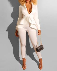 Sexy two piece suit long sleeve jumpsuit Women ruffle long white jumpsuit romper Female winter autumn playsuit overalls Costume Blanc, Mode Costume, Fall Outfits, Cute Outfits, Pretty Outfits, Casual Outfits, Two Piece Pants Set, White Suits, White Jumpsuit