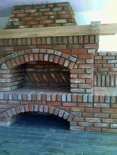 Uruguayan Grill, a manual - Forno Bravo Forum: The Wood-Fired Oven Community Outdoor Fireplace Designs, Backyard Fireplace, Pizza Oven Fireplace, Brick Grill, Barbecue Design, Diy Garden Fountains, Outdoor Oven, Brick Architecture, O Gas