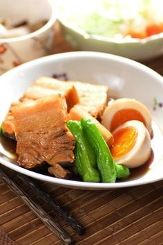 Buta Kakuni, Japanese Braised Porkbelly with Nitamago Egg and Shishito Sweet Pepper|豚の角煮と煮玉子 レシピ New Year's Food, Good Food, Yummy Food, Pork Belly Recipes, Stuffed Sweet Peppers, Chicken And Vegetables, Food Design, Japanese Food, My Favorite Food