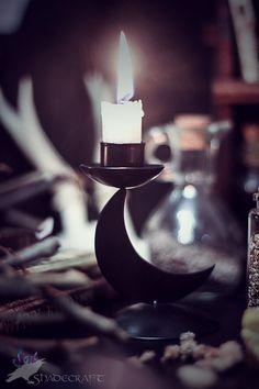 I need to get some candles like this. I found this book on practical magic I'm dying to test out.