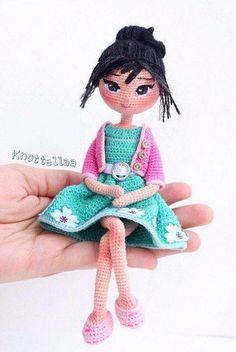 New Crochet Doll Amigurumi Spanish Ideas Amigurumi Doll, Amigurumi Patterns, Doll Patterns, Cute Crochet, Beautiful Crochet, Crochet Baby, Knitted Dolls, Crochet Dolls, Crochet Doll Pattern