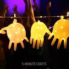 Amazing Glowing Hacks - gute Idee - You just can't miss these 20 life hacks which will take your life to a new level. 5 Min Crafts, 5 Minute Crafts Videos, Diy Crafts Hacks, Diy Home Crafts, Diy Arts And Crafts, Craft Videos, Fun Crafts, Crafts For Kids, Amazing Crafts