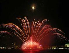 Feuerwerke für Mega Events http://www.krause-feuerwerke.de/grosse-stadtfeste-und-mega-events.html