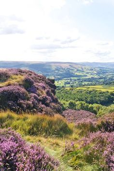Walking in the Peak District National Park {photography by Mondomulia}