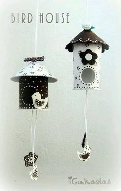 Bird house out of toilet paper roll. Kids Crafts, Tin Can Crafts, Diy And Crafts, Arts And Crafts, Toilet Roll Craft, Toilet Paper Roll Crafts, Diy Paper, Diys, Decorative Bird Houses