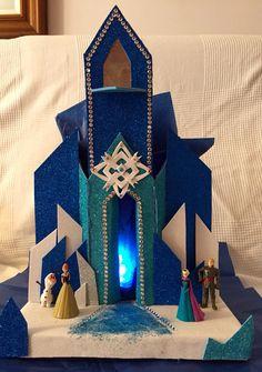 Castillo en goma eva y carton Elsa Frozen