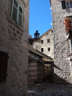 ruelas tudo em pedra-Kotor Montenegro
