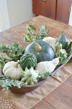 If you're going for a neutral color palette but still want to decorate for fall, this Simple Fall Centerpiece made white and green gourd and pumpkin centerpiece idea makes the perfect rustic decor inspiration! Rustic Fall Decor, Fall Home Decor, Autumn Home, Autumn Fall, White Pumpkins, Fall Pumpkins, Fall Table Centerpieces, Autumn Decorating, Decorating With Gourds